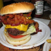 Les adresses où manger les meilleures spécialités culinaires new-yorkaises